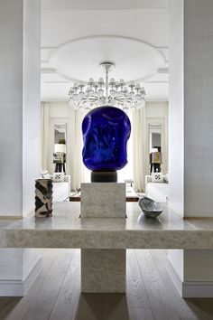 Enhance Your Senses With Luxury Home Decor Luxury Lighting, Luxury Home Decor, Luxury Interior, Luxury Homes, Classic Interior, Contemporary Furniture, Modern Contemporary, Modern Design, Marble Console Table