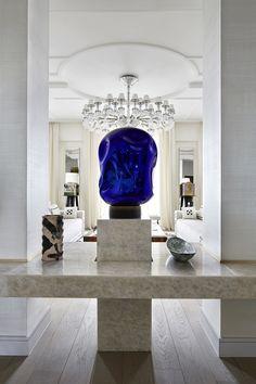 Contemporary decor | super luxurious marble console table | www.bocadolobo.com #contemporarydesign #contemporarydecor