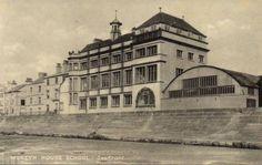 MOSTYN-HOUSE-SCHOOL-PARKGATE-SEAFRONT