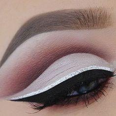 Soft, Cut Crease Eye Makeup Look. #softcutcrease #cutcreasemakeup