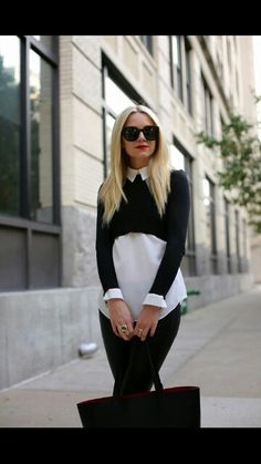 Below, we have selected 16 Stylish Winter Outfits With Crop Sweaters which should be your inspiration for wearing a crop sweater this winter. Light Blue Blazers, Light Blue Sweater, White Knit Sweater, Rosa Pullover, Cropped Pullover, Cropped Sweater, Style Blog, My Style, Stylish Winter Outfits