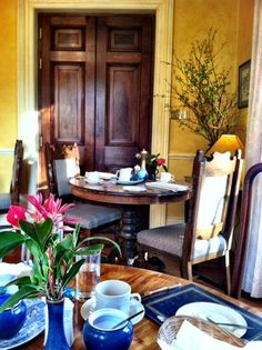 Breakfast at the Shelburn Lodge