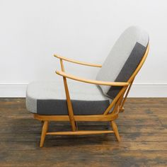Ercol Windsor Chair – Reloved Upholstery & Design Ercol Furniture, Vintage Chairs, Mid Century Design, Shades Of Grey, Windsor, Accent Chairs, Restoration, Upholstery, New Homes