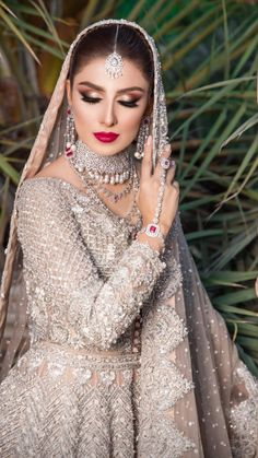 Pakistani Bridal Makeup, Pakistani Fashion Party Wear, Pakistani Wedding Outfits, Indian Bridal Outfits, Pakistani Mehndi, Pakistani Girl, Bridal Mehndi, Asian Bridal Dresses, Asian Wedding Dress