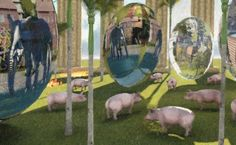 "Utsnitt fra ferskt bilde; ""11 gris og 3 egg"".  (Details from artwork ""11 pigs and 3 eggs"".)"