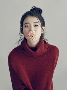 Singer IU is giving a sneak peek at her 2015 calendar via her official fan cafe, 'Uaena', with two photos from the actual calendar, … Korean Beauty, Asian Beauty, Korean Girl, Asian Girl, Just In Case, Just For You, Korean Actresses, Soyeon, Favim