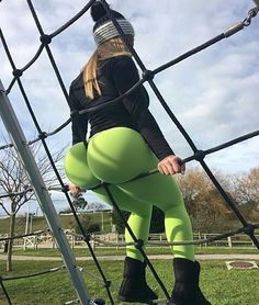 Green is the color of today ---------------------------- Wanna get featured? >>>DM • • • • • • #wednesday#squat#fitdutchies#fitgirls#fitgirlsnl#fitfam#fitfamnl#fitspo#instafit#fitness#fitnessmotivation#instagood#fitnessguidance#Fitsagram#fitnessfreak#gains#fitstagram#fitnessaddict#muscle#motivation#gym#gymlife#dutchfitfam#athelite #becomegreater #foodporn #foodpost  Check out BobbyOWilson.com for fitness and nutrition related articles!