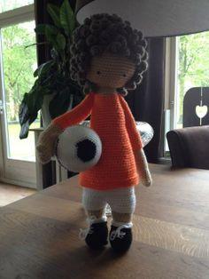 soccer mod made by Wil Palte V Cortenberghe / based on a lalylala crochet pattern