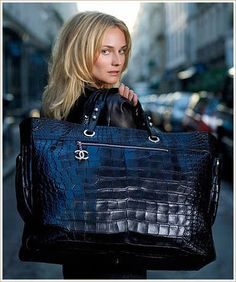 I WANT THIS CHANEL BAG!!!!!!