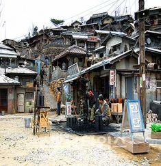 교과서에 나오는 전남 가족여행 <33>순천 오픈세트장 - 호남타임즈 Urban Photography, Artistic Photography, Street Photography, Architecture Sketchbook, Medieval Houses, Asian History, Korean Art, Landscape Drawings, Slums