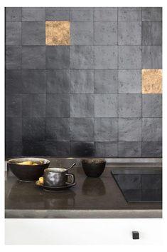 Wabi Sabi, Interior Design Inspiration, Home Decor Inspiration, Kitchen And Bath, New Kitchen, Küchen Design, House Design, Dark Interiors, Home Decor Styles