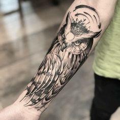 sketchy owl tattoo © tattoo artist Daniel Araújo💕🐤💕🐤💕🐤💕 Sleeve Tattoos, Tatting, Needle Tatting, Arm Tattoos