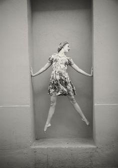 cool idea for a senior picture with my ballet outfit and shoes.
