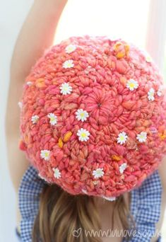 Lululoves - Crochet Hat, Knit Collage Yarn - Daisy Chain yarn in color Peony Pink Easy Knit Hat, Crochet Beanie, Crochet Yarn, Fedora Hat Women, Beginner Crochet Projects, Hat Patterns, Crochet Patterns, Crochet Ideas, Knitting Patterns