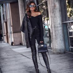Rocker chic - all black, off shoulder sweater, black denim, over the knee boots and leather jacket FASHIONED Hipster Outfits, Edgy Outfits, Fall Outfits, Fall Fashion Trends, Autumn Fashion, Fashion Bloggers, Rocker Chic Outfit, Christmas Look, Outfit Look