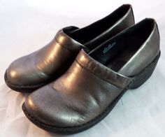 BORN Shoes ~ Women's Silver Metallic Clogs ~ Size 8 M #Born #Clogs