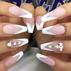 33 Fancy White Coffin Nails Designs Matte Nails With A White French Manicure Design Discover trendy and cute white coffin nails designs with accent, glitter, rhinestones. Find an idea for your long, short nails. White Coffin Nails, Coffin Nails Long, Long Nails, Short Nails, White Tip Nails, Long French Tip Nails, White French Nails, Pink Coffin, Bride Nails