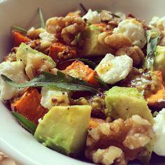 Salade de patate douce rôtie à l'avocat & chèvre frais Potato Salad, Salads, Lunch Box, Gluten, Healthy Recipes, Healthy Food, Cooking, Ethnic Recipes, Desserts