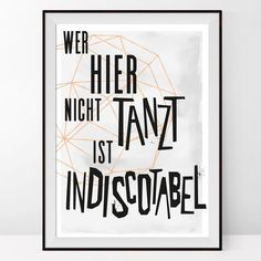 Hände in die Höh' wer am Wochenende getanzt hat! Das Poster gibt es übrigens im DaWanda-Shop von @caerrihome. #dawanda #caerrihome #wordart #typo #type #instaquote #quoteoftheday #quotestagram #illustration #instaart #graphicdesign #pencilart #artwork #graphicart #illustrator