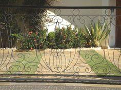 grades de ferro em arabesco - Google Search Front Gates, Aquarium, Plants, Google, Arabesque, Windows, Mulches, Carport Garage, Ideas