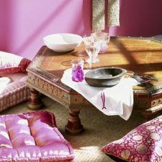 marokkanisch-wohnen-Sitzkissen-niedriger-Tisch