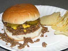The Blue Mill Tavern Loosemeat Sandwich - Essen und Trinken Loose Meat Sandwiches, Wrap Sandwiches, Beef Recipes, Cooking Recipes, Hamburger Recipes, Hamburger Steaks, Hamburger Dishes, Recipies, Cooking Beef