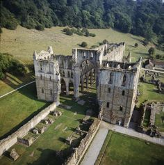 York Press: The huge Rievaulx Abbey was built in around 1140 and was home to 650 men before being dissolved by Henry VIII in 1538 Yorkshire England, Yorkshire Dales, North Yorkshire, Visit Yorkshire, Abandoned Mansions, Abandoned Buildings, Abandoned Places, Mansions Homes, Abandoned Castles
