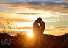 engagement pictures, engagement photos, engagement photography, what to wear for engagement pictures, engagement picture ideas,sunset  engagement session, styled engagement session ideas, brides, beyond the wanderlust, Inspirational Photography blog, allie marie photography