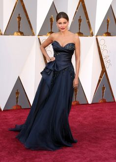 See All the Looks from the Oscars Red Carpet: Sofía Vergara