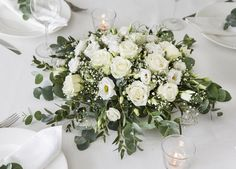 Slik lager du en bordplan til festbordet Diy Wedding Decorations, Reception Decorations, Wedding Centerpieces, Table Decorations, The Knot, Wedding Trends, Wedding Styles, Bouquets, Backyard Barn