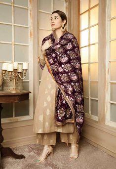 Best Trendy Outfits Part 39 Pakistani Salwar Kameez, Pakistani Dresses, Indian Dresses, Patiala, Indian Outfits, Anarkali Suits, Pakistani Fashion Party Wear, Indian Party Wear, Indian Bridal Wear