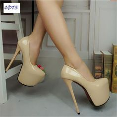 Big size ladies's shoes used to be very hard to find. Lots of women would need to locate specialist stores and wait on orders for their size. Nevertheless, Larger feet are no longer thought about to be irregular as they when were. Hot Heels, Sexy High Heels, Extreme High Heels, Beautiful High Heels, Platform High Heels, High Heel Pumps, Stiletto Heels, Talons Sexy, Pantyhose Heels