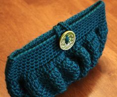 This Clutch is too adorable.  Must figure out soon.