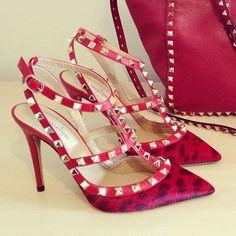 No way! I'm totally in LOVE! Valentino Rockstud Heels. ❤