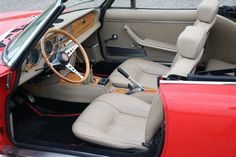 Fiat 124 Sport Spider, Fiat 124 Spider, Fiat Models, Classic Trader, Colorful Interiors, Cars For Sale, Convertible, Classic Cars, Automobile
