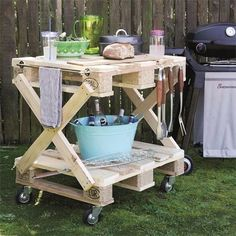 Garten Handy braai table made with pallets Aufbew Diy Pallet Projects Aufbew braai Garten Handy Pallets Table Old Pallets, Pallets Garden, Recycled Pallets, Wooden Pallets, Recycled Materials, Diy Pallet Sofa, Diy Pallet Projects, Pallet Furniture, Garden Projects