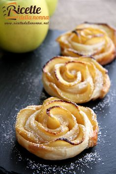 Ricetta rose di mele - Apples in puff pastry made to look like roses ... recipe in Italian