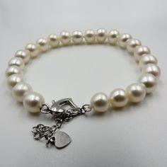 657d30d85cb9 Las 59 mejores imágenes de Pulseras de perlas en 2018   Perlas ...