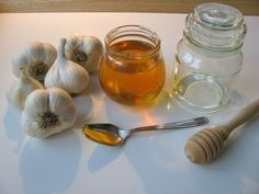 If you eat garlic and honey on an empty stomach for 7 days, this is what happens to your body. : The Hearty Soul