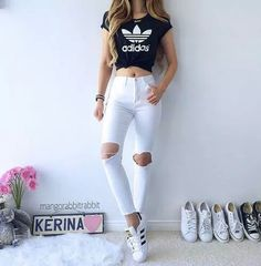 Get inspired by the 30 simple casual outfit ideas that suitable for every woman. Teenage Outfits, Teen Fashion Outfits, Cute Fashion, Outfits For Teens, Trendy Outfits, Girl Fashion, Fashion Clothes, Style Clothes, Cropped Top Outfits