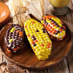 Harvest Corn Cakes- Scare up some fun with these spooky Halloween cakes. Find easy decorating tips, pumpkin cake recipes and more ideas to create the perfect centerpiece for your Halloween table. Thanksgiving Treats, Fall Treats, Holiday Treats, Thanksgiving Table, Thanksgiving Blessings, Thanksgiving Decorations, Holiday Fun, Holiday Gifts, Pumpkin Recipes