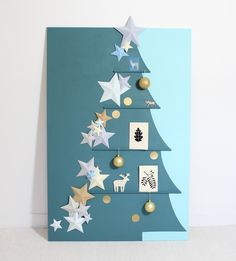 If you haven't come up with any ideas of gifts, why not DIY Christmas cards? We've gathered some of the best DIY Christmas cards that are sure to impress your friends and family this season. Christmas Card Crafts, Homemade Christmas Cards, Xmas Cards, Christmas Art, Diy Cards, Handmade Christmas, Christmas Holidays, Christmas Decorations, Christmas Ornaments