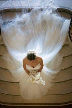 Fabulosa esta fotografía de la novia. #FotografiasBodas