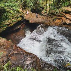Magnifico puente en roca sobre las Cascadas fin del mundo Mocoa Putumayo