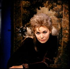 """Kim Novak and Pyewacket for """"Bell, Book and Candle"""""""
