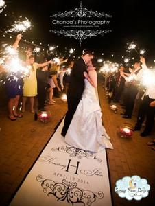 Bring romance to your wedding with the perfect wedding aisle runner #romanticweddings, #weddingaislerunners