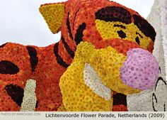 Tigger decorated entirely with flowers, Bloemencorso Lichtenvoorde, Netherlands (2009)