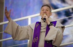 'Nunca vote em um religioso', afirma Padre Marcelo Rossi