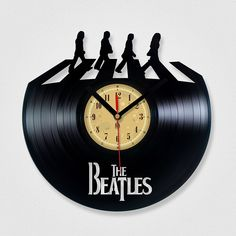 My dad lives his that i thought if n ordered! Complete hit for the Beatles fan, collector, etc. Vinyl Record Clock - The Beatles Abbey road. Vinyl Eaters is an upcycling product made from vinyl records. Vinyl Record Crafts, Vinyl Record Clock, Record Wall, Vinyl Art, Vinyl Records, Vinyl Music, Music Music, Wall Vinyl, Abbey Road
