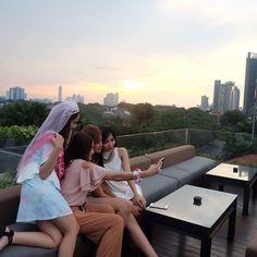 Gotcha!  #bridalshower #bridesmaids #jakarta #awesome #ig_jakarta #ig_indonesia #girls #beautiful #igers #ig_muse #instagram #instagood #fuji #fujifilm #like4like #likeforlike #bridetobe #amber #indonesian #candid #rooftop #sunset #latepost by maylinafirera